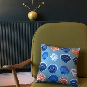 Dog Cockles linen cushion